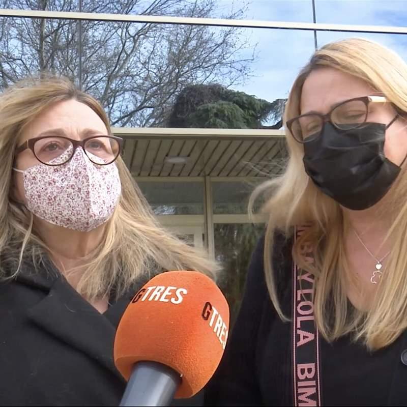 Marta y Loreto Valverde, destrozadas, tras la muerte de su padre: