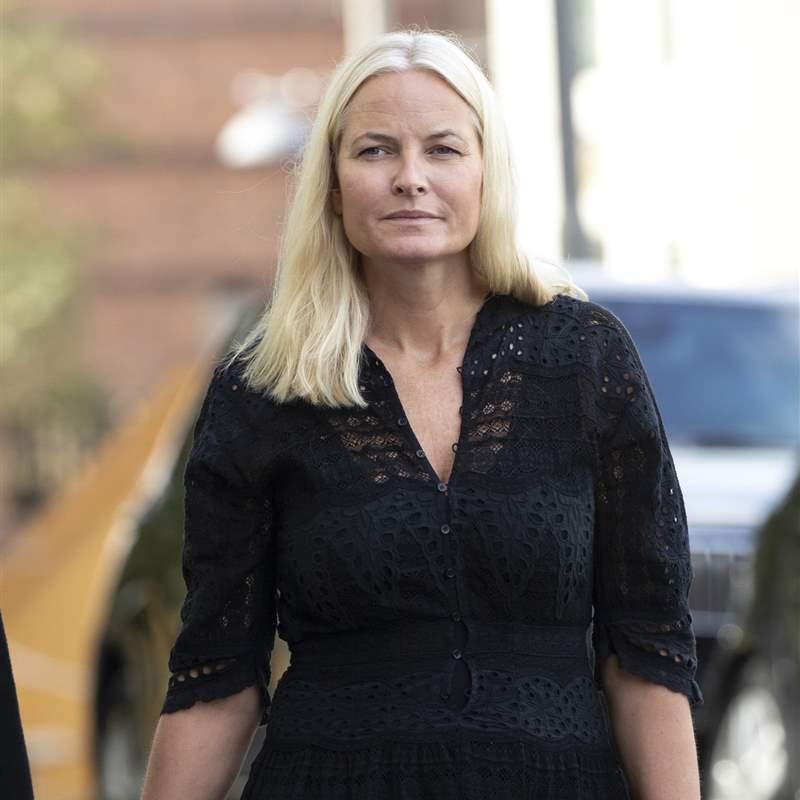 Mette-Marit de Noruega confiesa que su inicio con Haakon le provoca