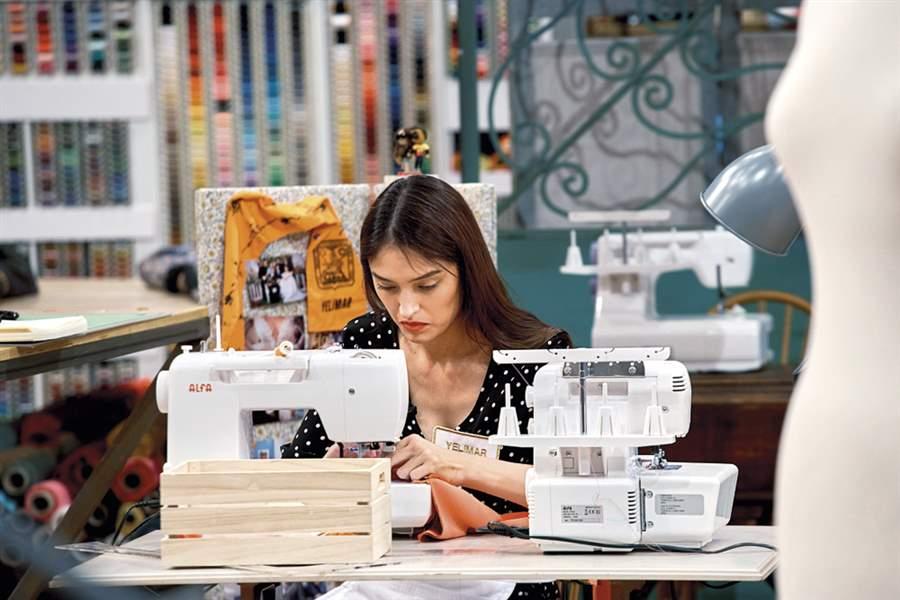 Yelimar Moreno (Maestros de la costura): La costura me ayudó en mi  recuperacio
