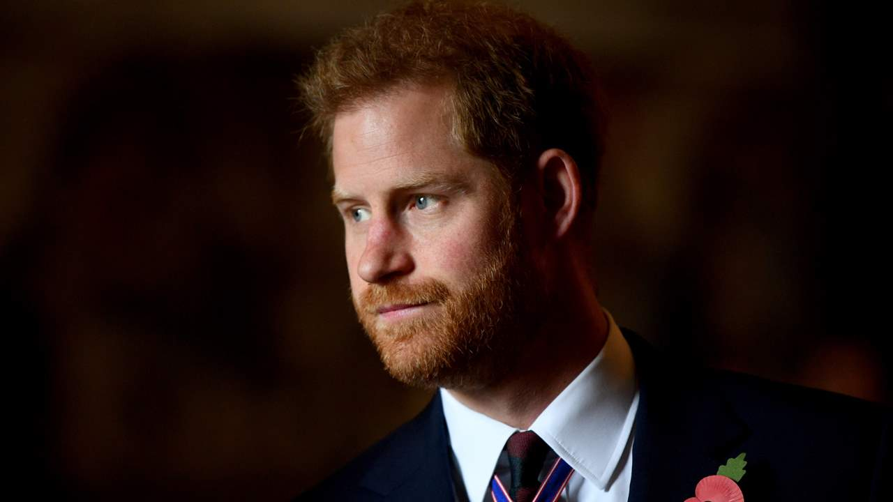 Prince Harry delivers final blow to Elizabeth II: will publish his biography in 2022