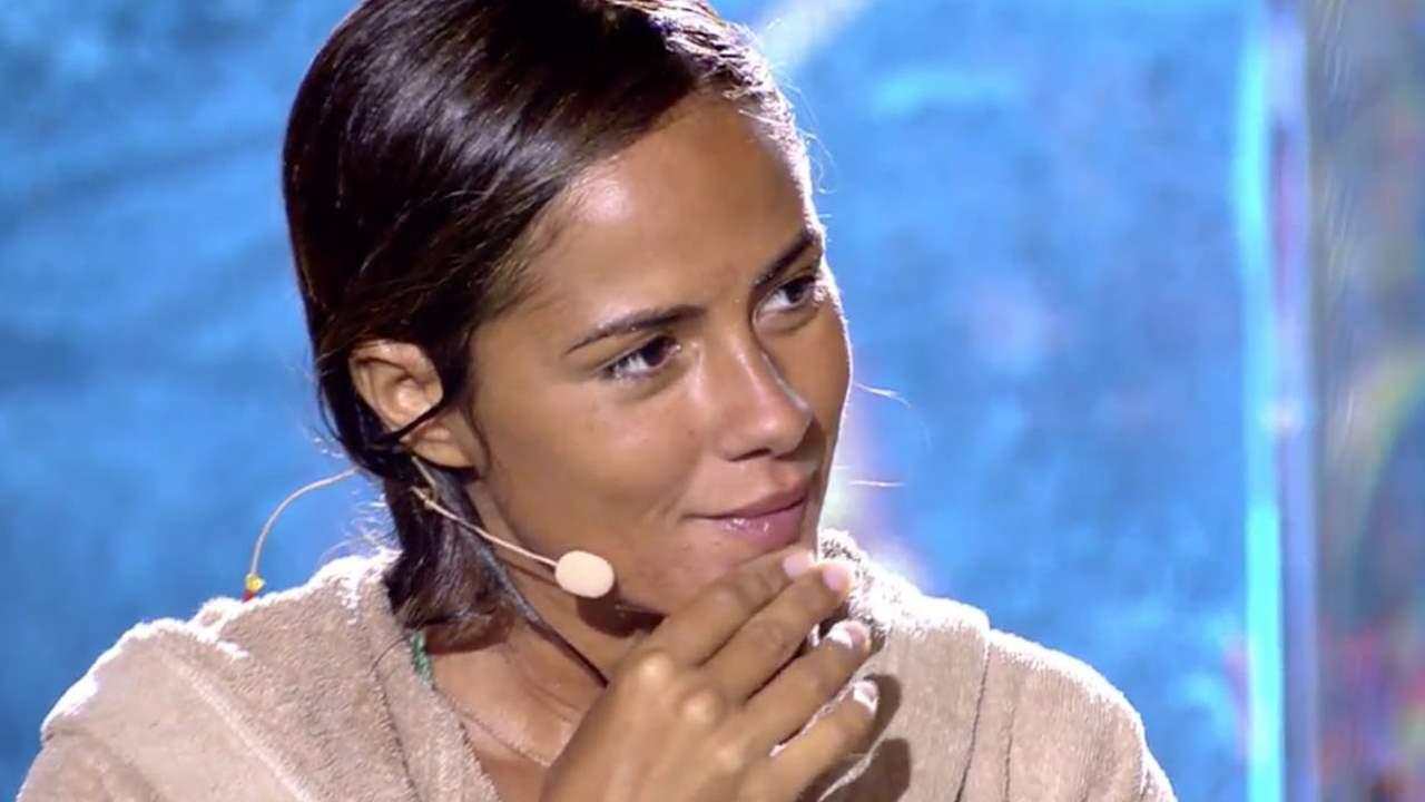 La angustia de Melyssa Pinto al enfrentarse a su fobia en pleno directo