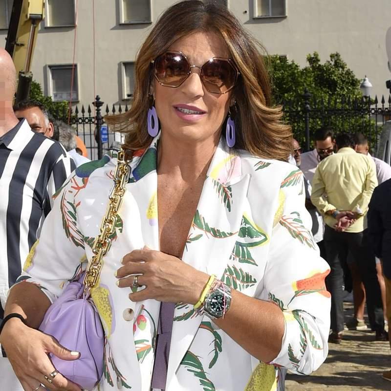 Jeans, top y blazer, la combinación perfecta de Raquel Bollo y para mujeres con más de 40 años
