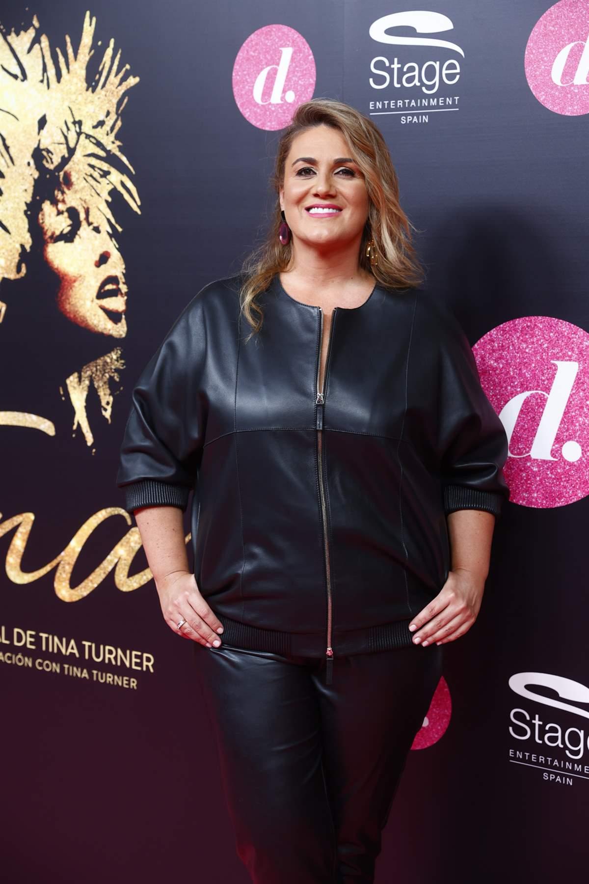 Carlota Corredera arrasa con su versión más cañera. Total look de cuero  ideal para mujeres de 40 años
